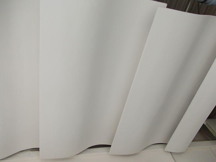 Nacinanie płyty gipsowej na łuki i fale