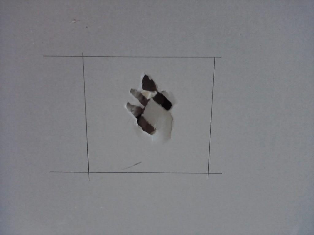 Jak naprawić dziurę w płycie gipsowo-kartonowej