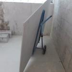 Transport plyt g/k na budowie - wozek do plyt